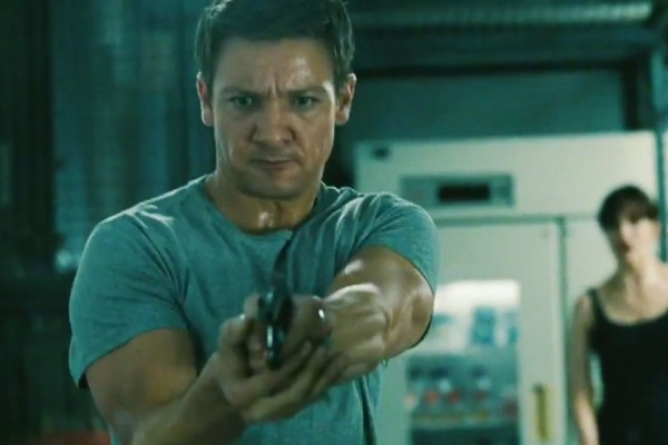 "Bourne Legacy"" Review: Jeremy Renner Becomes the Thinking Man's ..."