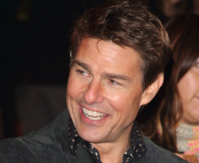 tom.cruise.smiling.at.london.reacher.premiere