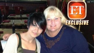 Paris-Jackson-15-reunites-with-mom-Debbie-Rowe
